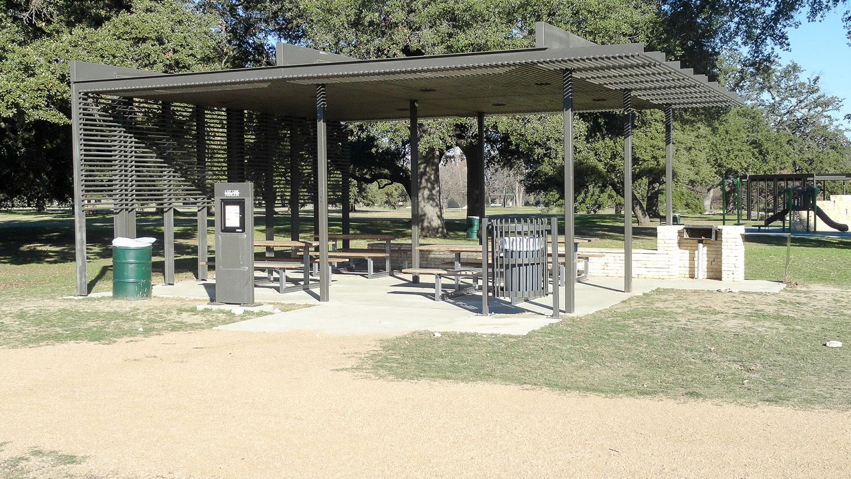 Live Oak Pavilion in San Gabriel Park
